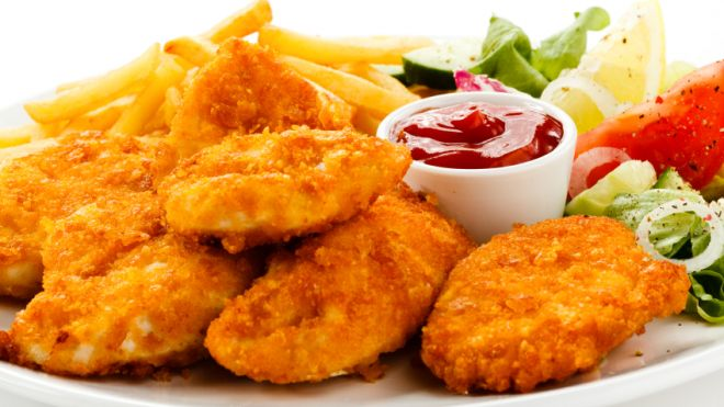 CHICKEN NUGGET WITH CHIPS